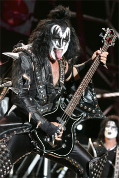I love shopping - Pagina 5 GeneSimmons30-1-09